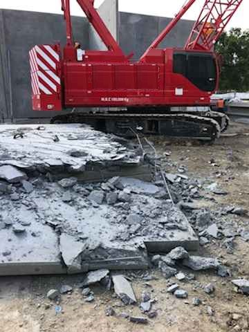 Dropped 16-tonne panel