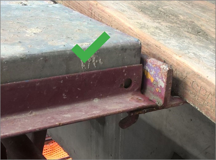 Photograph 4: Pin pointing back to scaffolding with plank next to tie bar – tie bar angle facing outwards - preferred.